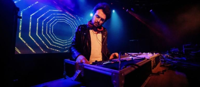 """Davide Ferrario: """"Con 'Lullabies' ho trovato la libertà nella musica"""" – INTERVISTA"""